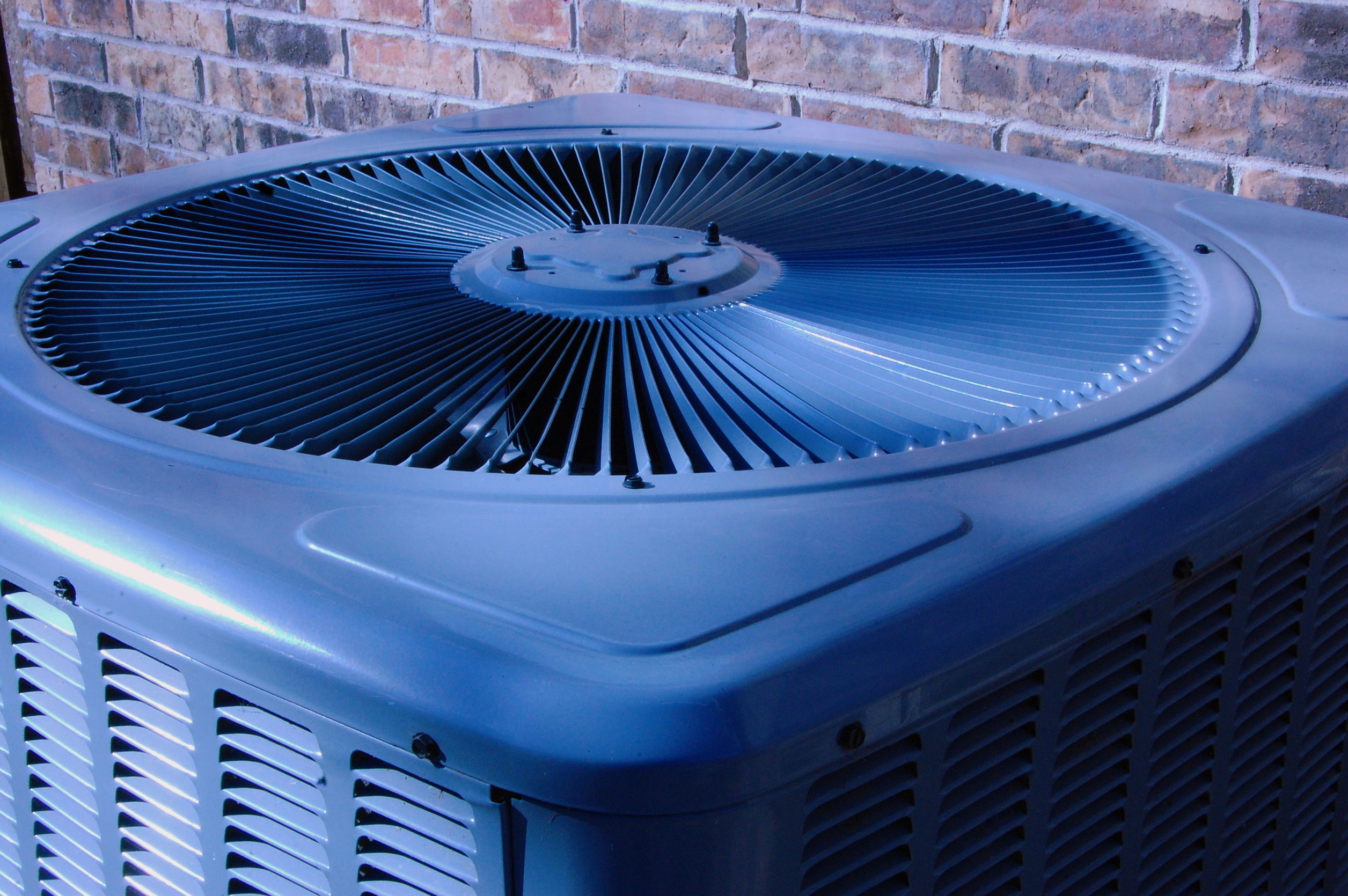 How to Stop Thieves from Stealing Your Outdoor Air Conditioner Unit